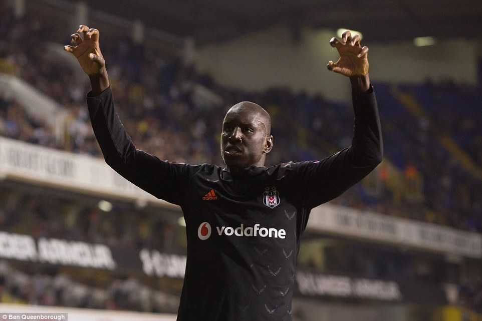 1412283632409_wps_40_Demba_Ba_of_Besiktas_cele