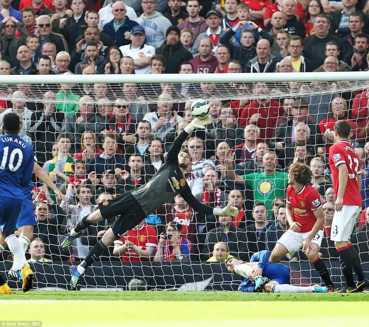 1412514130420_wps_76_Manchester_United_goalkee