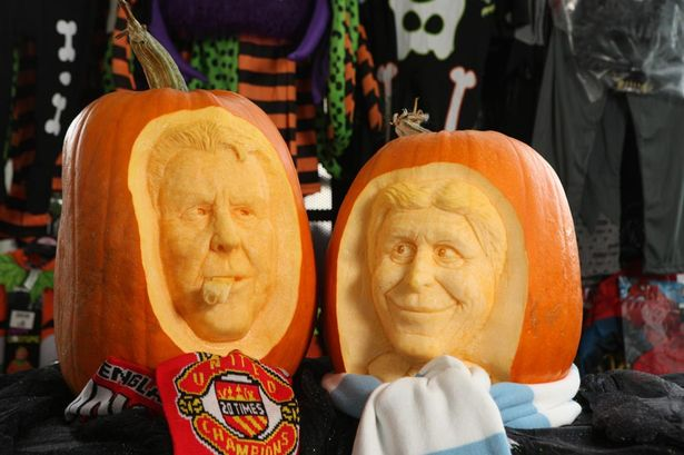 PAY-Football-fan-Simon-McMinnis-has-carved-a-collection-of-United-and-City-pumpkins