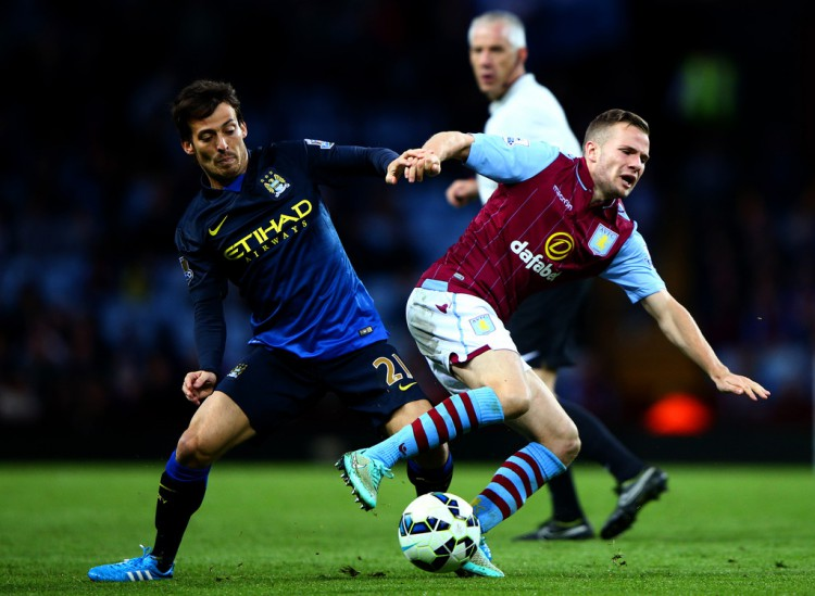 Tom+Cleverley+Aston+Villa+v+Manchester+City+F7Xe5iYYEq7x