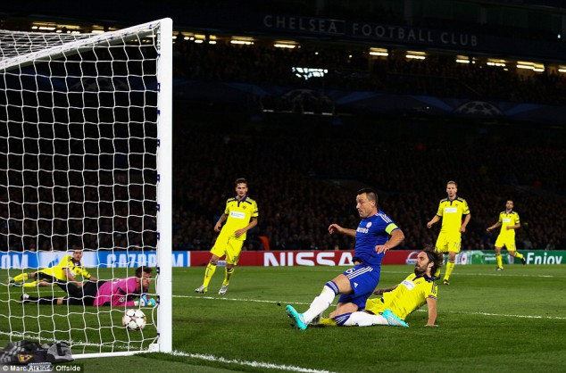 terry_October_2014_UEFA_Cham