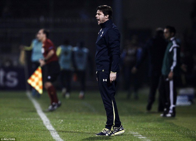 1415302364065_Image_galleryImage_Tottenham_Hotspur_s_coach
