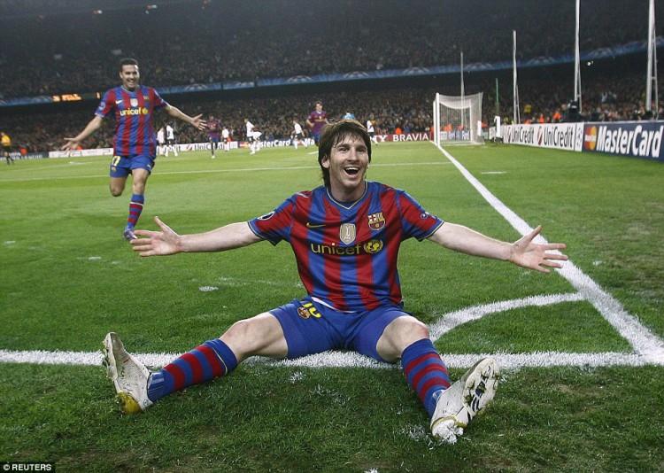 1415321278732_wps_31_Barcelona_s_Lionel_Messi_