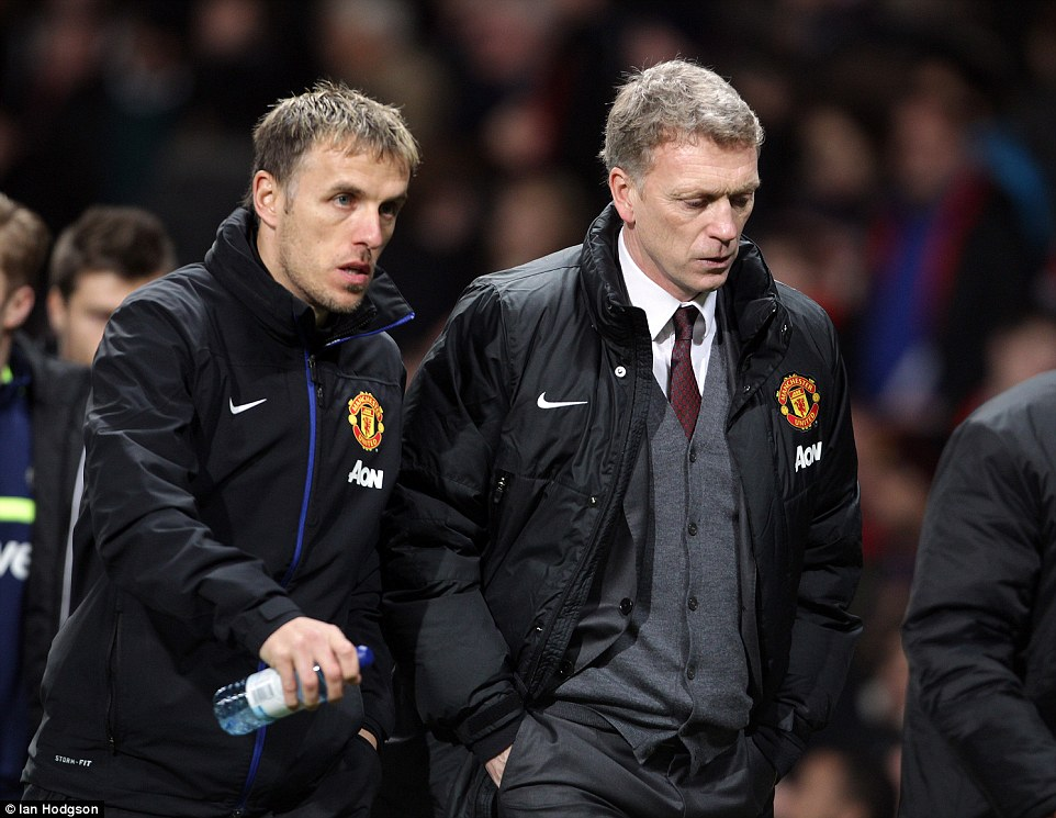 1AE2C75100000578-2894399-Neville_loved_working_with_David_Moyes_even_though_results_didn_-a-41_1420214198280