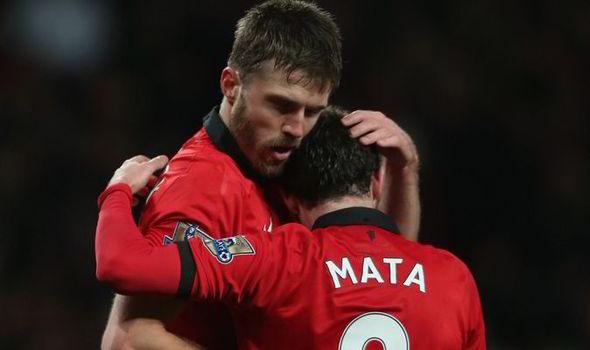 Michael-Carrick-Juan-Mata-Manchester-United-553514