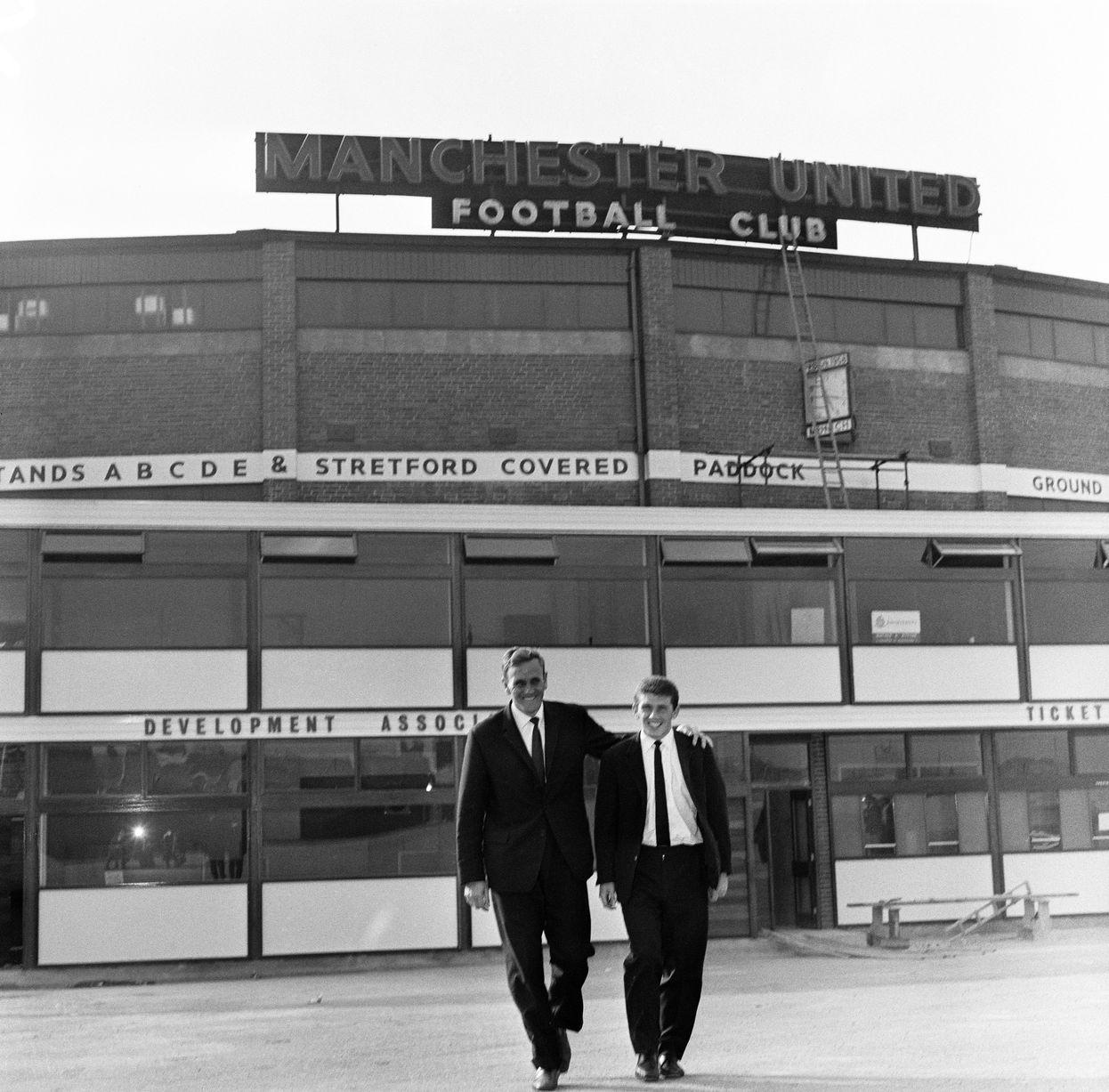 1963: Джонни Гилз покидает «Олд Траффорд» с Доном Реви, только что подписанным из «Лидса».
