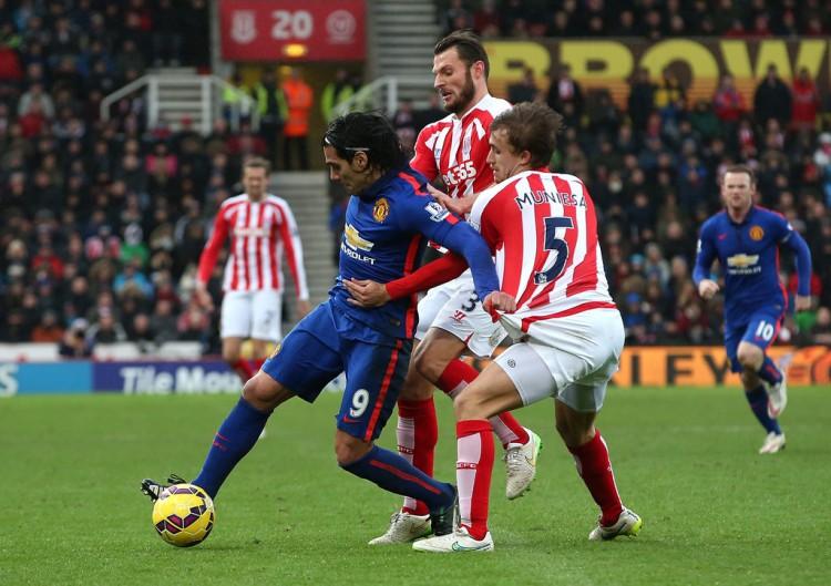 Radamel+Falcao+Stoke+City+v+Manchester+United+t78_EarMTgyx