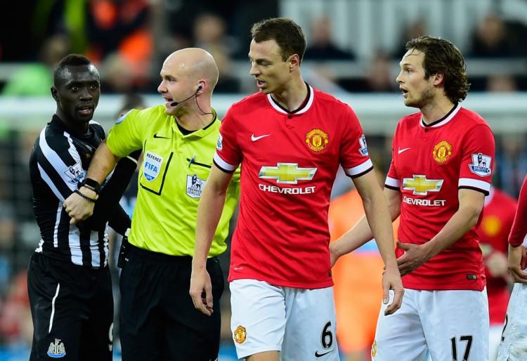 Jonny+Evans+Newcastle+United+v+Manchester+OsNodsQ37-xx