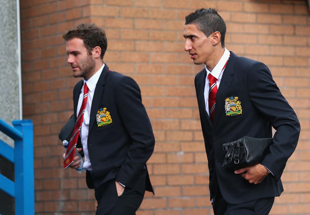 Juan+Mata+Burnley+v+Manchester+United+Premier+HUEG6WENYxWx