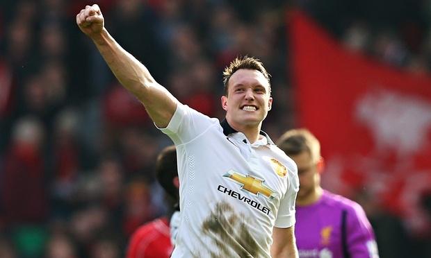 Manchester-Uniteds-Phil-J-010