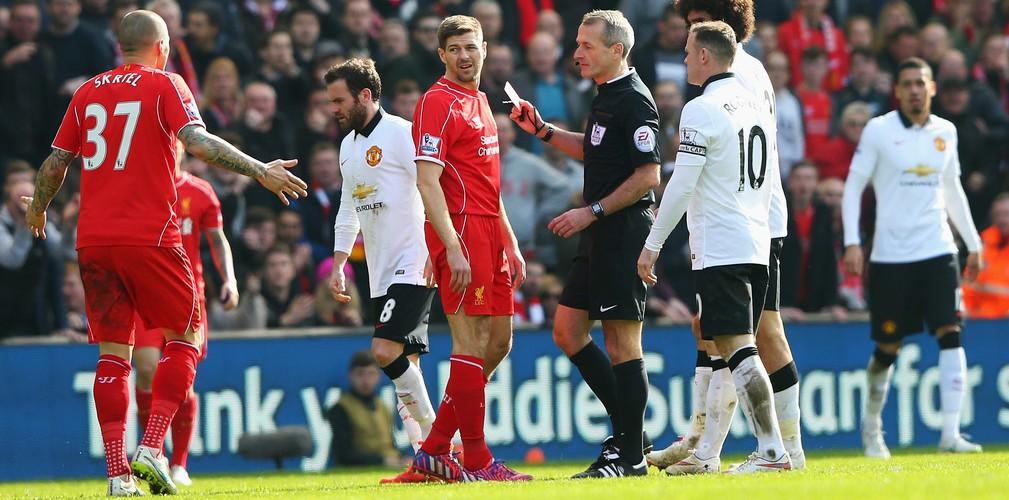 Martin+Atkinson+Liverpool+v+Manchester+United+RjPopvzHyLjx
