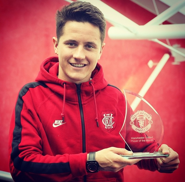 Manchester United в Instagram_ «@AnderHerrera is the #mufc Player of the Month for April. Congratulations, Ander!» - Google Chrome 2015-04-30 20.56.39
