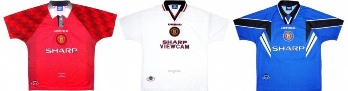 Это второй комплект формы, в котором логотип команды расположен по центру формы. Серая гостевая форма была заменена на классический белый цвет.
