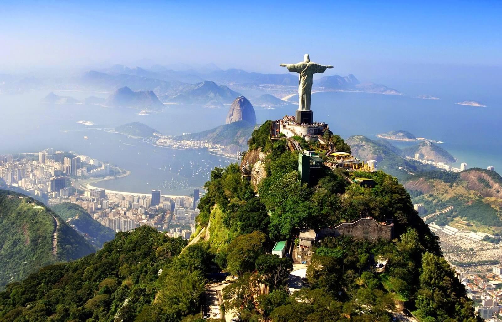 Статуя Христа-Искупителя в Бразилии 2