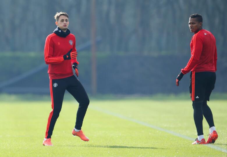 Янузай и Валенсия вернулись к тренировкам.