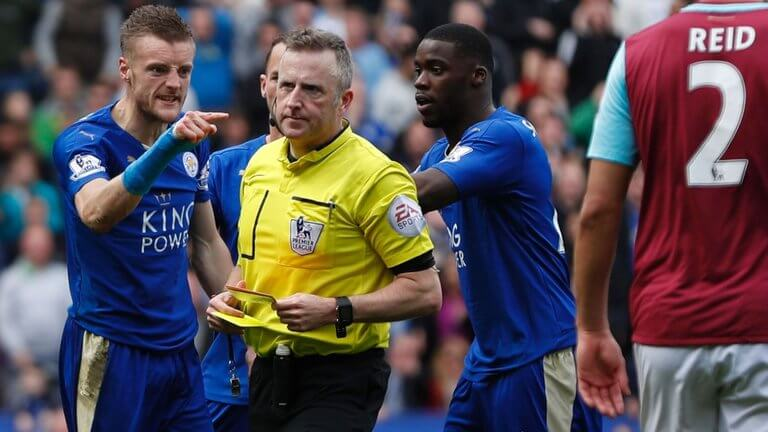 jamie-vardy-leicester-west-ham-red-card-sent-off-jon-moss-jonathan-referee-premier_3450953