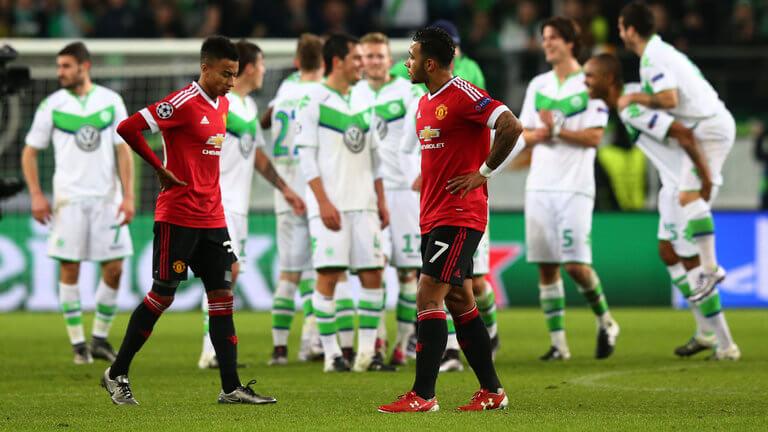 jesse-lingard-memphis-depay-manchester-united-champions-league-wolfsburg-dejected_3386314