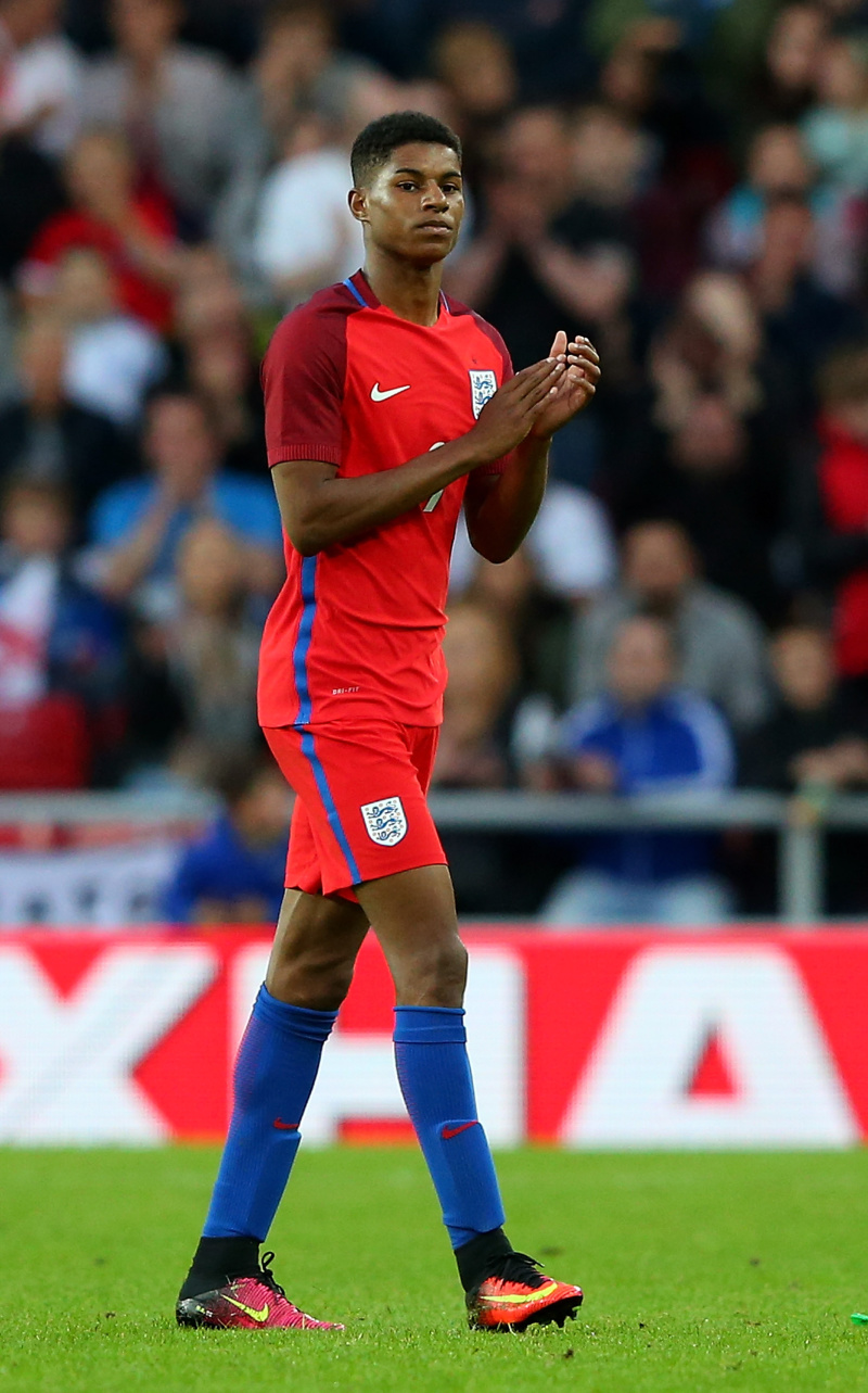SUNDERLAND, ENGLAND - MAY 27: Marcus Rashford of England applauds the fans during the International Friendly match between England and Australia at Stadium of Light on May 27, 2016 in Sunderland, England. (Photo by Alex Livesey/Getty Images)