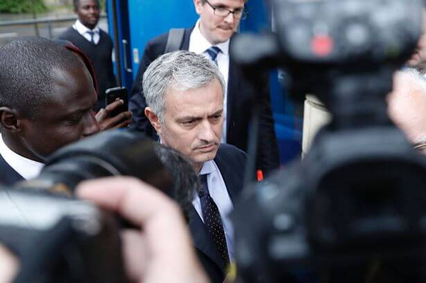 Jose-Mourinho-leaves-court