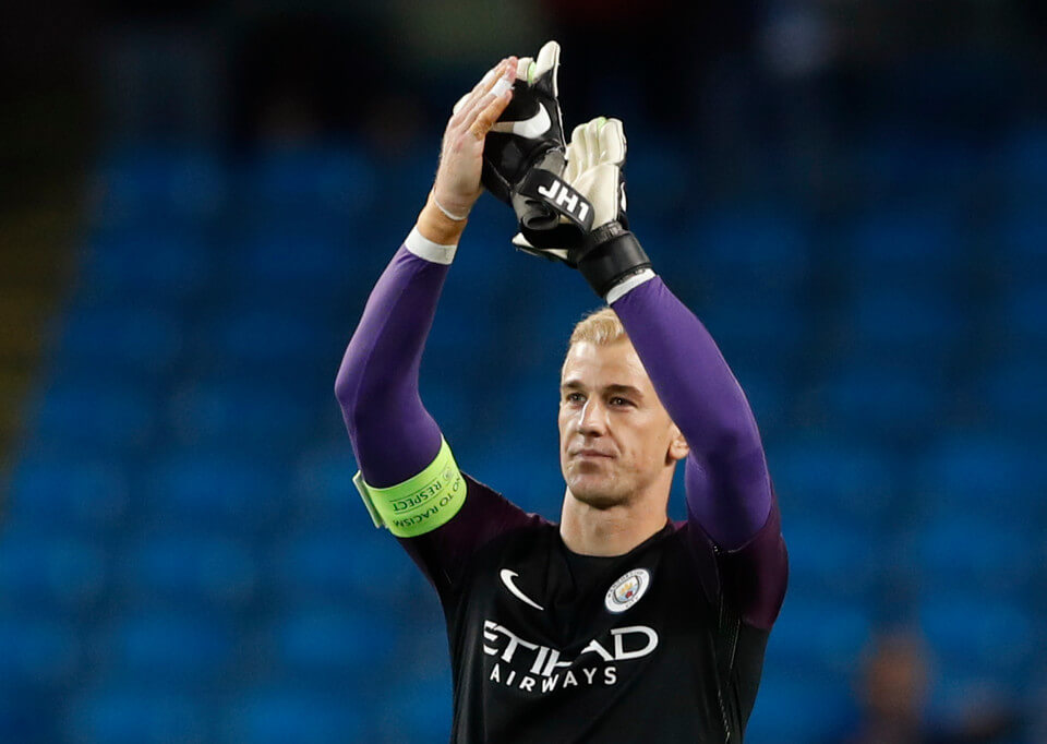 Football Soccer Britain - Manchester City v Steaua Bucharest - UEFA Champions League Qualifying Play-Off Second Leg - Etihad Stadium, Manchester, England - 24/8/16 Manchester City's Joe Hart applauds fans as he celebrates at the end of the match Action Images via Reuters / Carl Recine Livepic EDITORIAL USE ONLY.