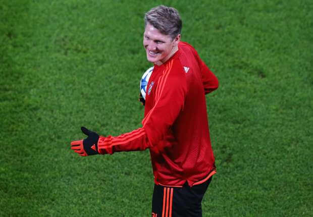 bastian-schweinsteiger-manchester-united_1vts5x5r24flg1jpbl1kmb8gez