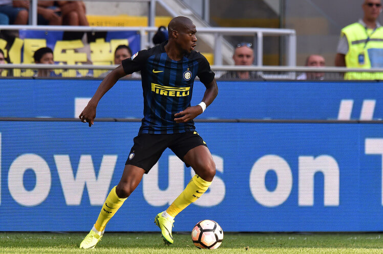 MILAN, ITALY - AUGUST 28: Geoffrey Kondogbia of Internazionale in action during the Seria A match between FC Internazionale and US Citta di Palermo at Stadio Giuseppe Meazza on August 28, 2016 in Milan, Italy. (Photo by Tullio M. Puglia/Getty Images)